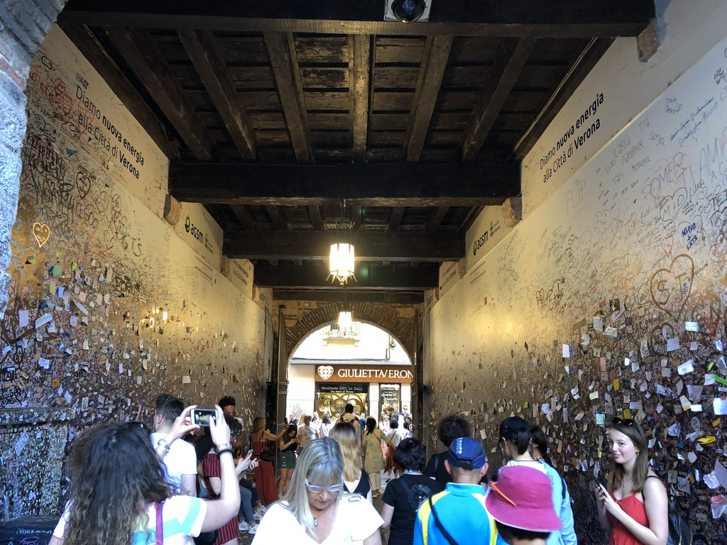 The entrance towards Juliet's House in Verona